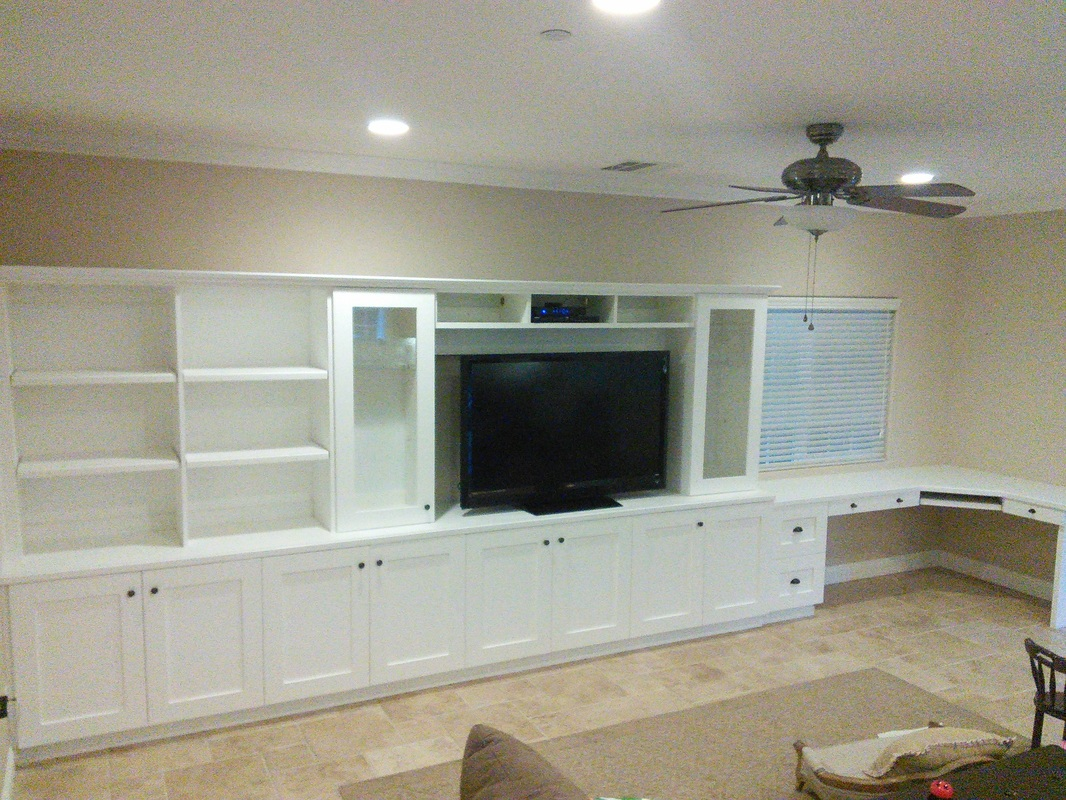 Superbe Total Length Of Custom Media Center Spans Over 20 Feet!